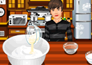 Bieber's Cooking Pizza